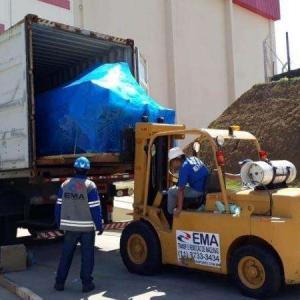 Carga e descarga de container