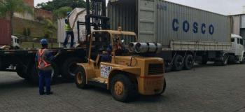 Caminhão para transporte de container