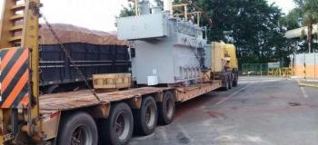 Transporte de maquinas pesadas prancha